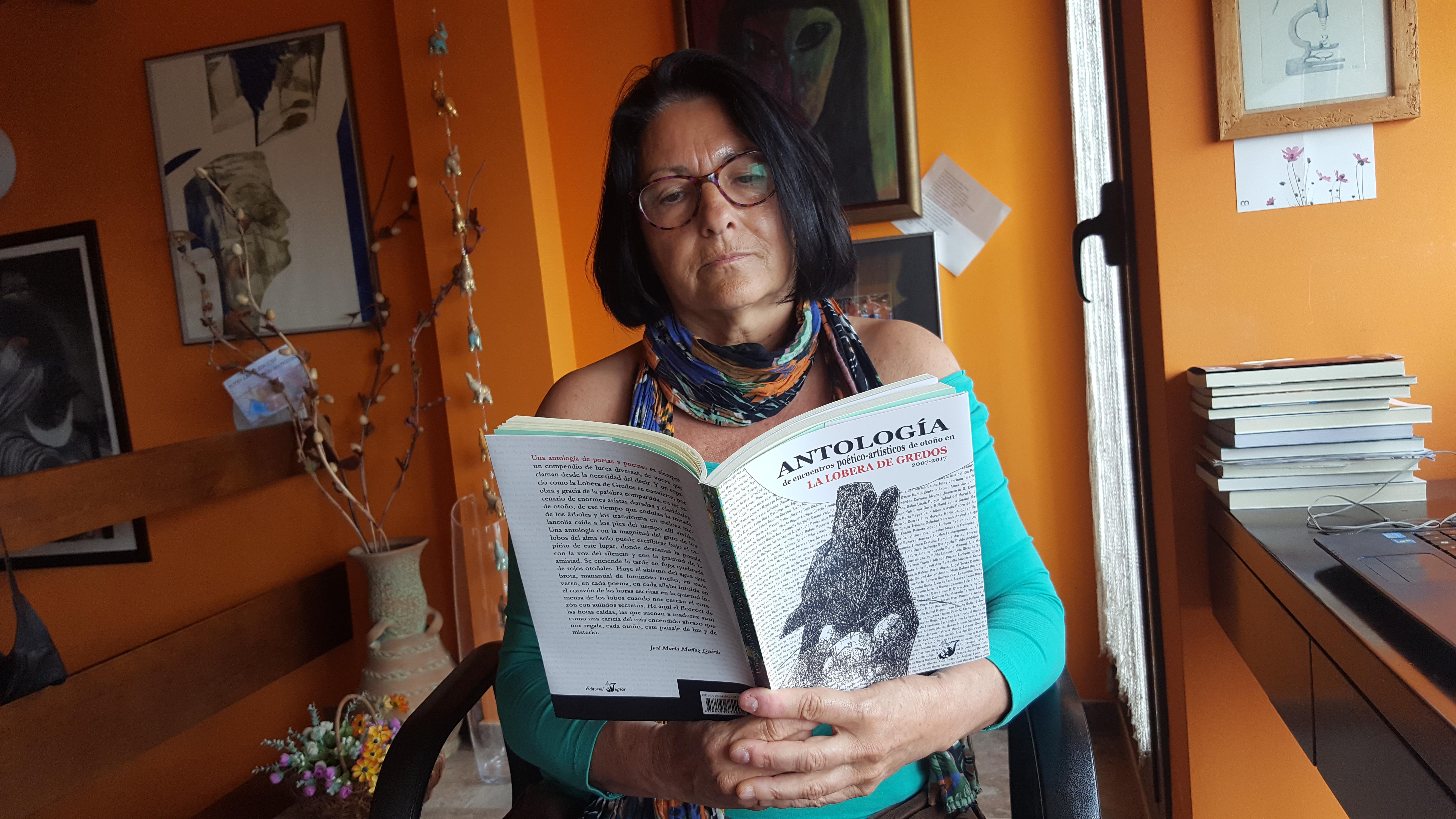 L'escriptora i poeta Anna Rossell/La escritora y poeta Anna Rossell