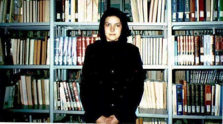 La poeta y periodista afgana Nadia Anjuman