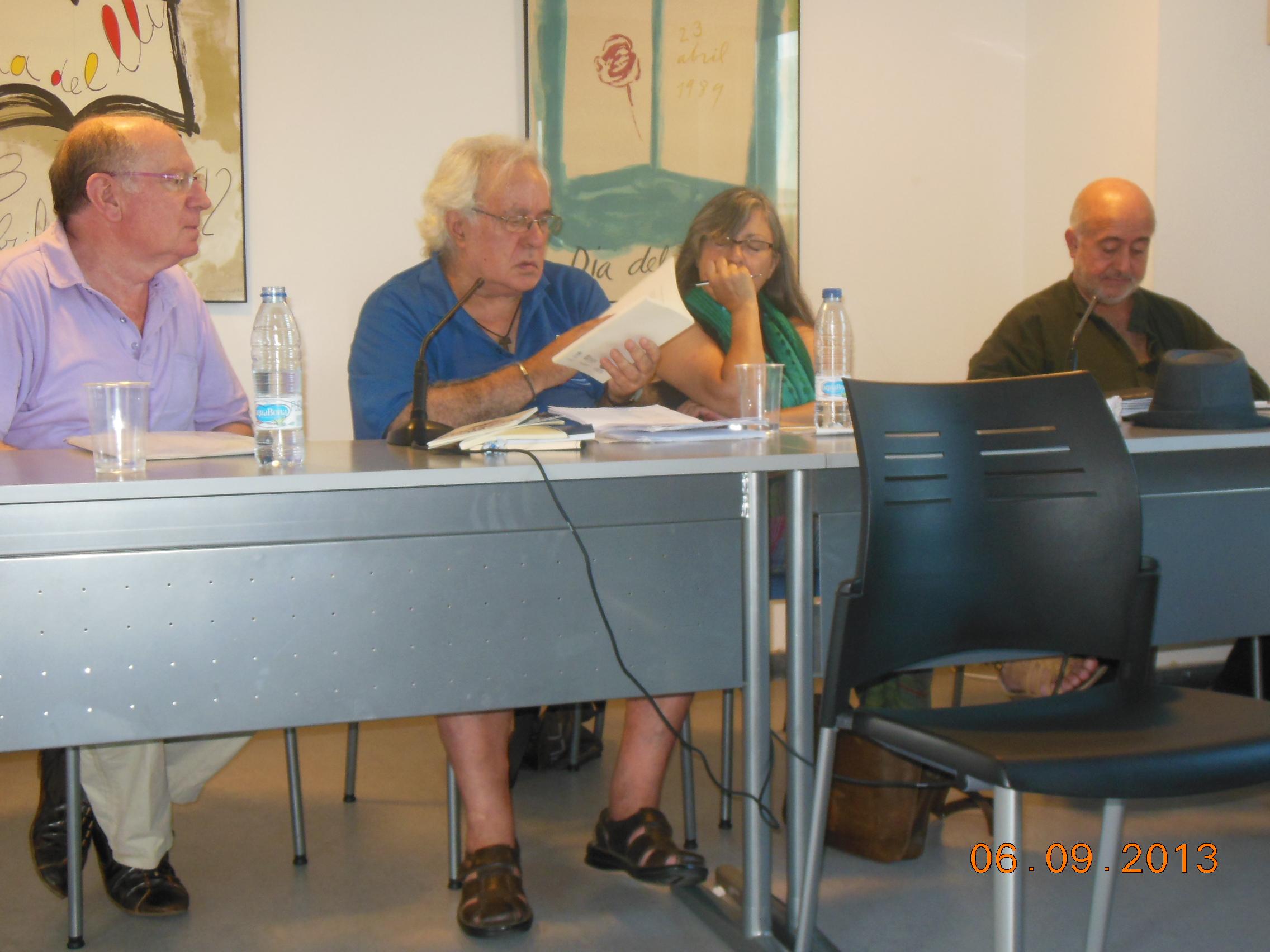 De izquierda a derecha: Felipe Sérvulo, Ignacio Bellido, Anna Rossell y Eudald Escala. Tertulia del Laberinto de Ariadna, Ateneo Barcelonés, 2013