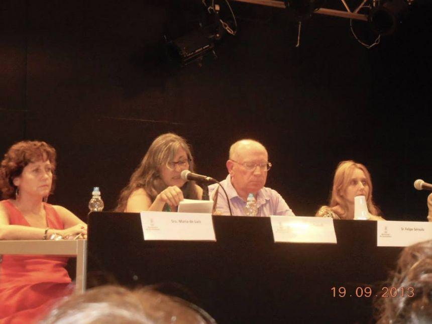 """De izquierda a derecha: María de Luis, Anna Rossell, Felipe Sérvulo y Noemí Trujillo. Presentación del poemario """"Ahora que amaneces"""", 2013"""