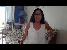 Anna Rossell recita Podries, poema de Joana Raspall