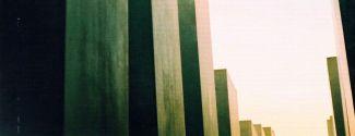 Portada d'«Àlbum d'absències» (poesia), d'Anna Rossell